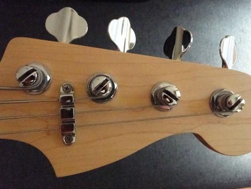 FENDER PJ Bass Clone