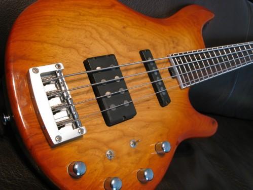 IBANEZ RDGR 900 Bass